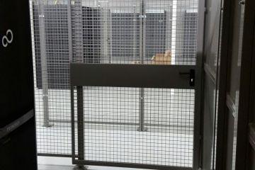 Schiebetüre Gittertrennwand