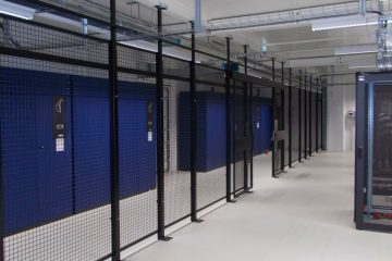 Gittertrennwandsystem mit Fußplatten einseitig